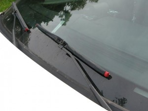 640px-Windshield_Wipers_1